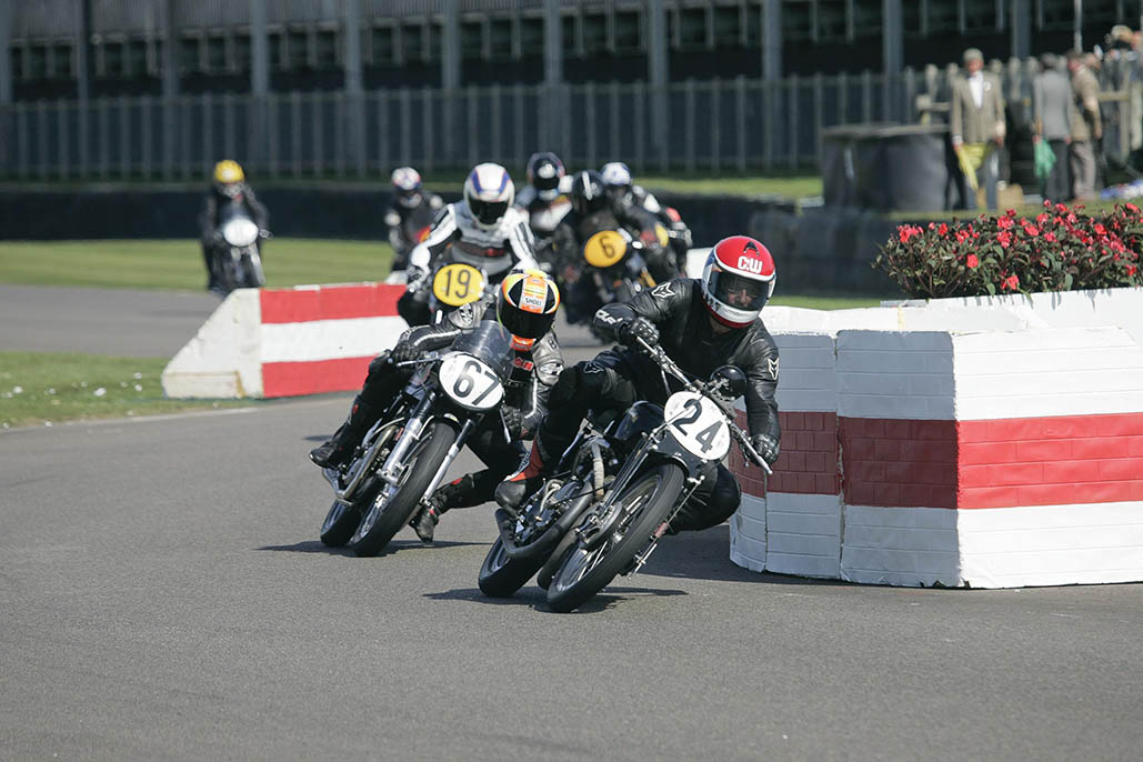 Kevin Schwantz To Make Goodwood Revival Debut On Norton 'featherbed'