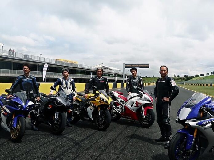 Yzf-r1 Project Leaders Celebrated 17 Years Of Development On The Yzf-r1